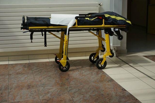 На производстве мужчина получил перелом обеих костей правой ноги.