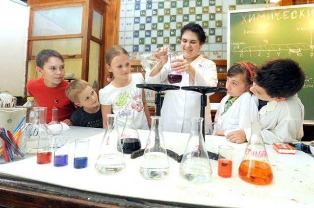 Цель педагога - превратить урок в увлекательное путешествие в страну знаний.