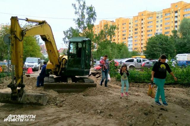 Ремонт большой дворовой территории в районе ул. 9 Апреля, 5 -7, должны закончить 7 ноября.