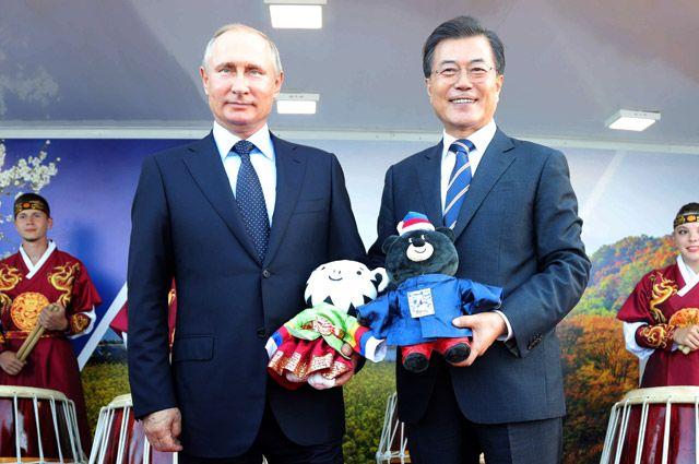 Президент РФ Владимир Путин и президент Республики Кореи Мун Чжэ Ин.