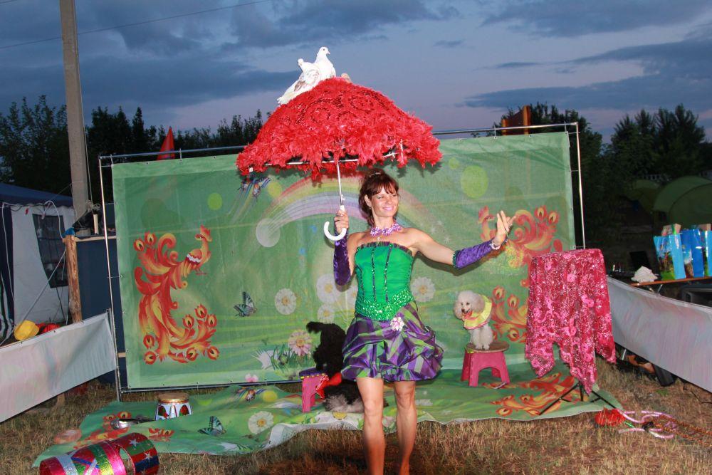 Ростов-на-Дону показывал цирковые номера под эгидой ростовского зоопарка. Площадка пользовалась интересом особенно у детей.