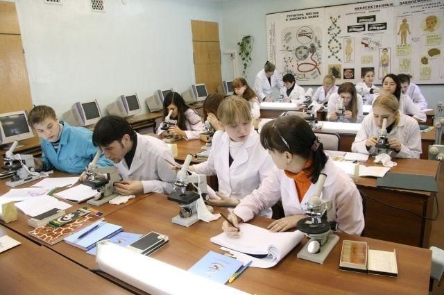 На Ямале 83 ученика медицинских классов сели за парты