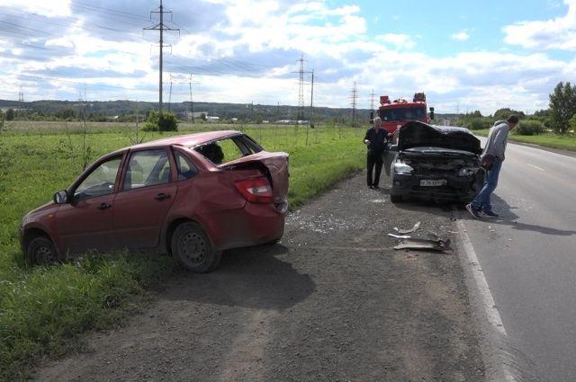Пьяный водитель, уходя от полицейских, не справился с управлением и стал виновником ДТП.