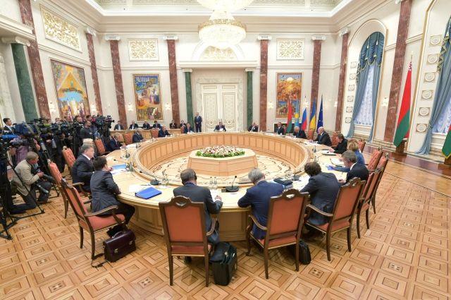 Украина готова рассматривать освобождение заложников поформуле «87 на309»,— Тандит
