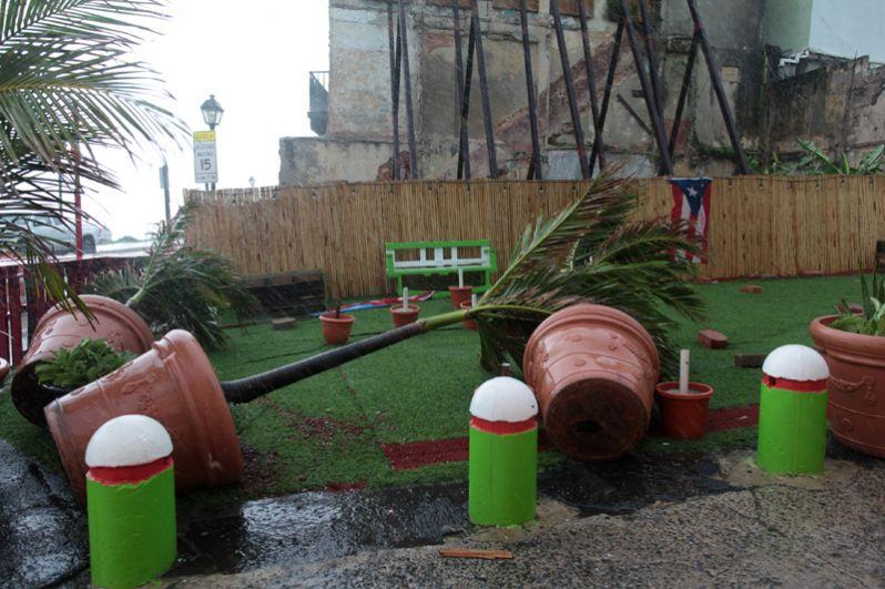 Последствия урагана «Ирма» на острове Пуэрто-Рико.