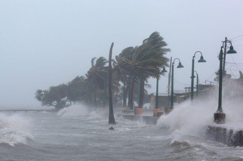Ранее режим ЧП был объявлен на острове Пуэрто-Рико и в штате Флорида.