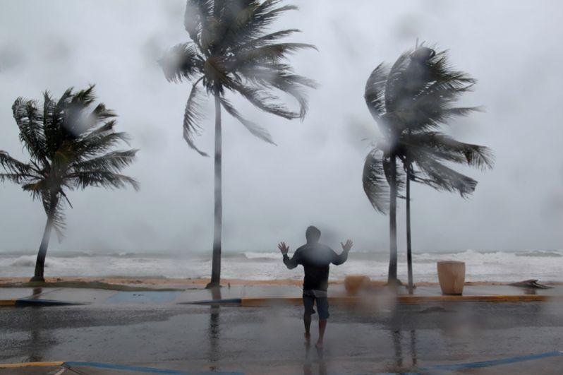 Число жертв урагана «Ирма» на французских заморских территориях Сен-Бартелеми и Сен-Мартен в Карибском море составляет уже шесть человек.