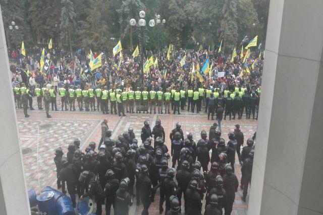 Участники «АвтоЕвроСила» объявили об окончании митинга под ВРУ