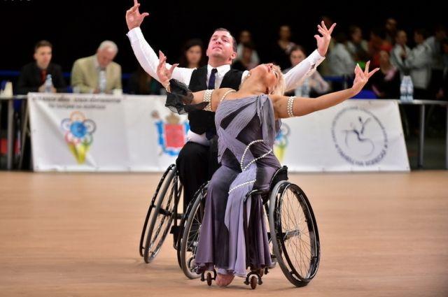 В Петербург приедут танцоры-колясочники со всего мира.