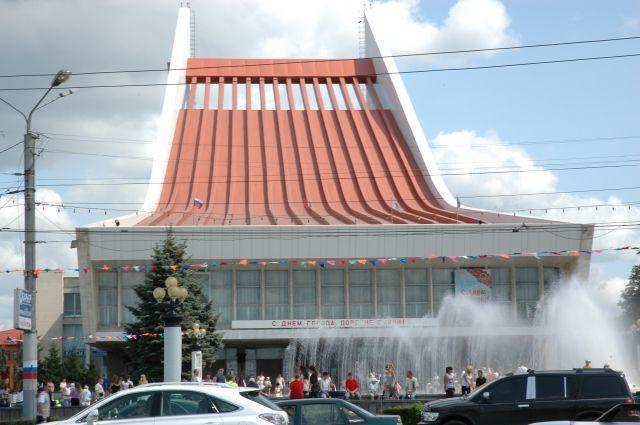 Омский театр построен по уникальному проекту, и поэтому у него особенная акустика.