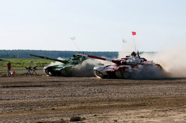Выставка боевой техники, стрелкового оружия, образцов формы одежды также будет на мероприятии.