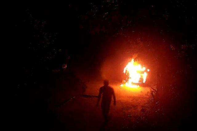 Полиция нашла калининградца, который поджег чужой припаркованный «БМВ».