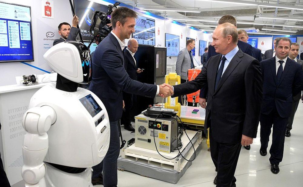 Владимиру Путину рассказали про промобота.