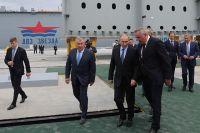 Владимир Путин во время посещения дальневосточного судостроительного комплекса «Звезда».