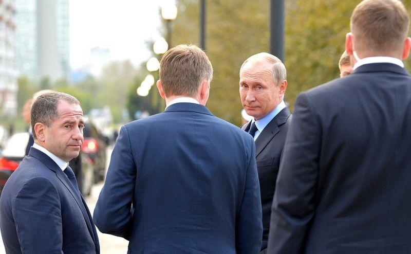 Владимиру Путину рассказали, что на набережной может быть построена вторая сцена театра оперы и балета.