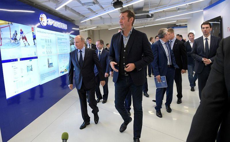 Осмотр выставки Пермского информационно-технологического кластера