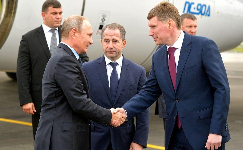 Самолёт Президента приземлился в пермском аэропорту в половине шестого вечера.