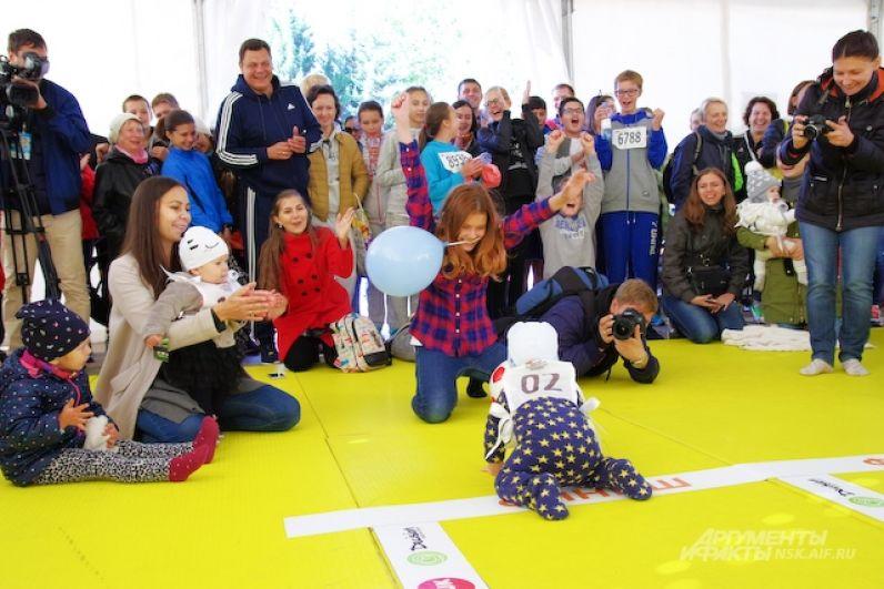 И все-таки самые стойкие дошли до финиша, к всеобщей радости родителей и болельщиков.