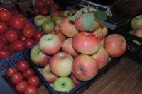 Самые полезные соки, доступные по цене, делают из местных фруктов и овощей.