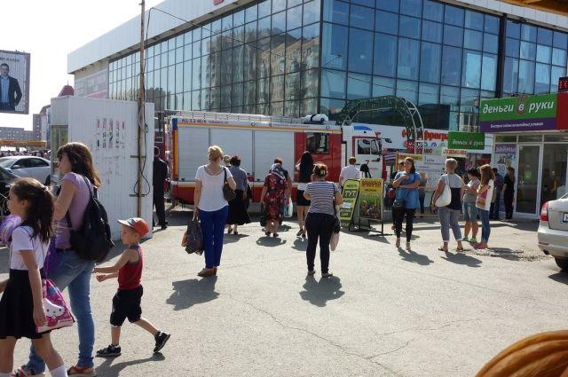 ВСтаврополе проводят эвакуации населения, проверяя сообщения о«подозрительных предметах»