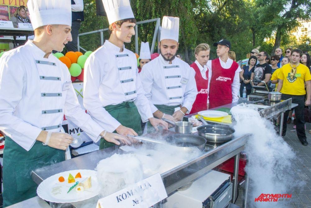 Битва шеф-поваров на фестивале «Вкусный город».