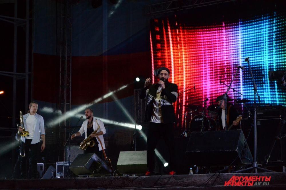 Концерт группы Uma2rman на Центральной набережной.