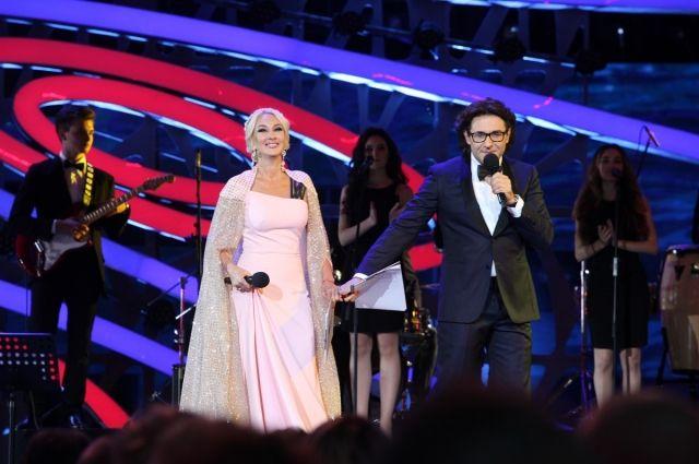Ани Лорак похвасталась выступлением наконкурсе «Новая волна 2017» в Российской Федерации