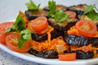 Сырой баклажан имеет горький привкус, поэтому в кулинарии его употребляют в отварном, запеченном, соленом, консервированном и тушеном виде.