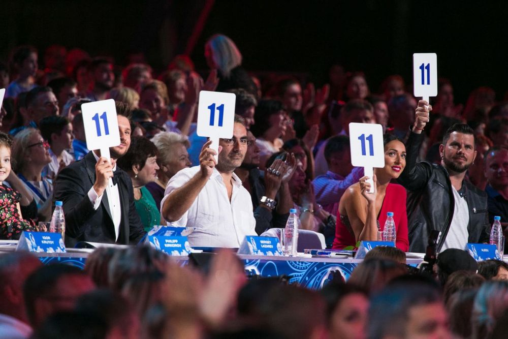 Звездное жюри фестиваля, среди судей - Алсу и Дима Билан.