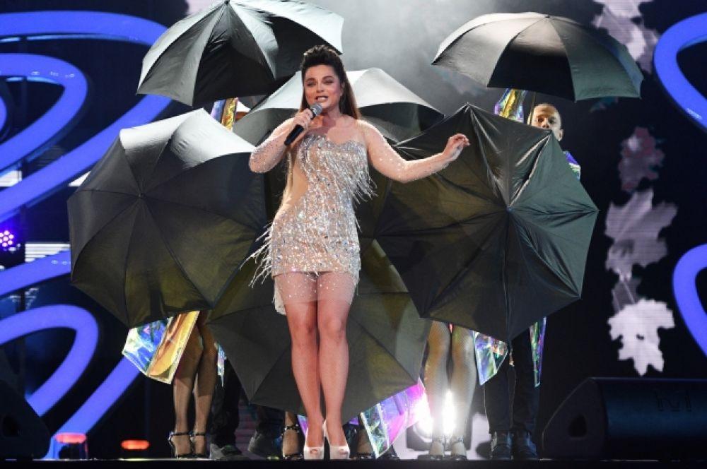 Наташа Королева в «голом» платье.