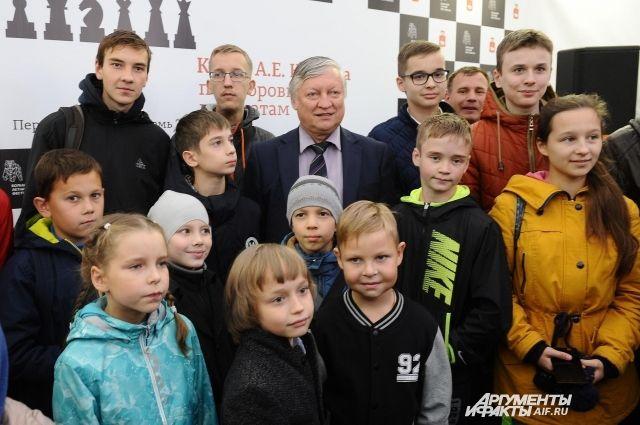 В чемпионате приняли участие 50 шахматистов в возрасте от 7 и до 75 лет из разных районов Перми.
