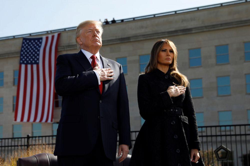 Дональд Трамп на траурной церемонии 11 сентября в Пентагоне.
