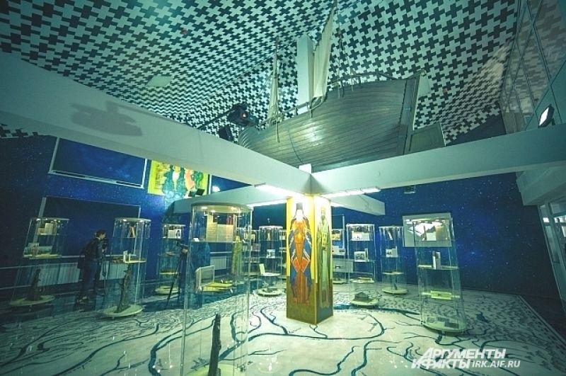Во втором можно посмотреть впечатляющую интерактивную выставку, повествующую о ключевых этапах служения Святителя Иннокентия.