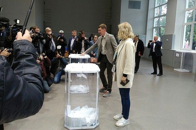 Максим Решетников одержал уверенную победу над «картонными» оппонентами.