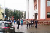 Днём неизвестный сообщил, что здание администрации Кемерова заминировано.