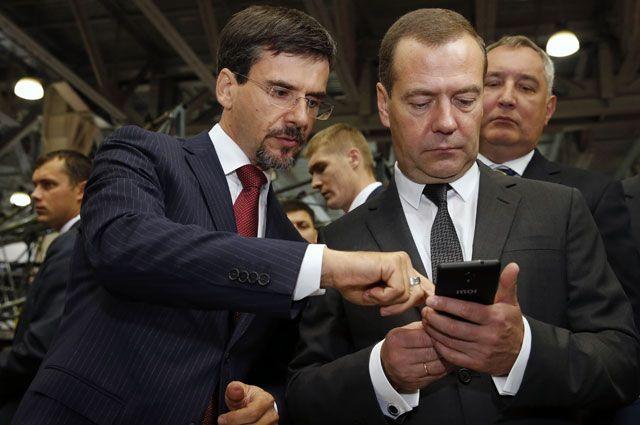 Что за российский смартфон Inoi R7?
