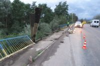 В Ивано-Франковской области авто упало в реку