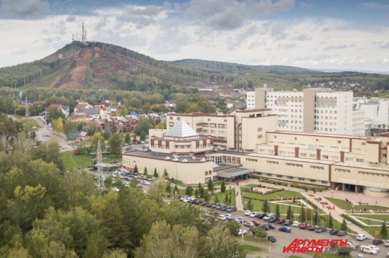 Предполагается, что на территории Деревни будут проживать свыше 3000 спортсменов и международных делегатов из 50 стран.