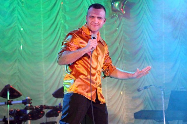 Участники гала-концерта оттачивают вокальное и актёрское мастерство на сцене.