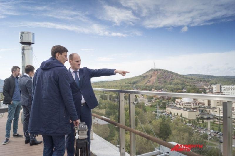 Красноярским журналистам впервые показали объекты будущей деревни Зимней универсиады - 2019, где будут жить спортсмены.