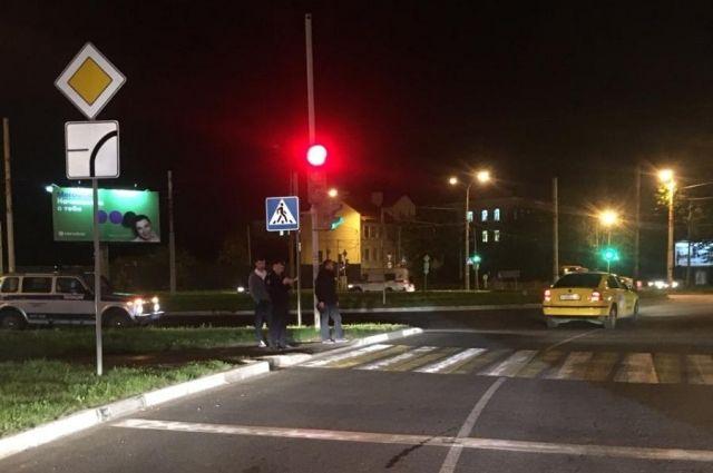 В Калининграде нашли водителя, который сбил ребенка на пешеходном переходе.