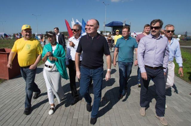 Губернатор лично проверил, готов ли новый парк к приёму отдыхающих и спортсменов.