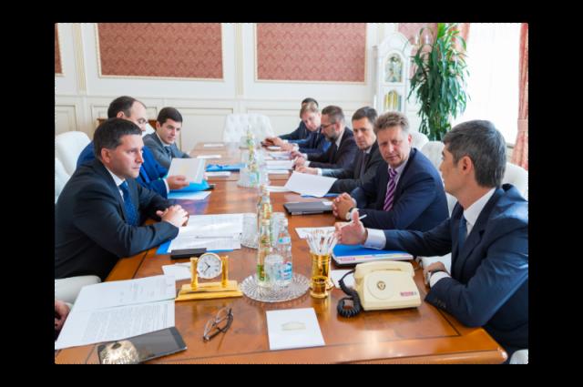 Дмитрий Кобылкин в Москве обсудил логистические проекты региона