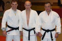 Дмитрий Черных справа от президента России, президента Европейского союза дзюдо Владимира Путина