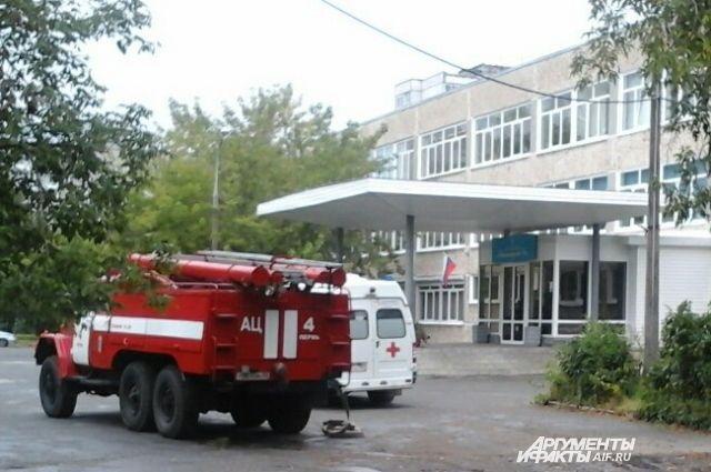 В гимназию 31 звонок поступил в 11 часов 10 минут 12 сентября.