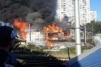 В Киеве на станции скоростного трамвая произошел крупный пожар