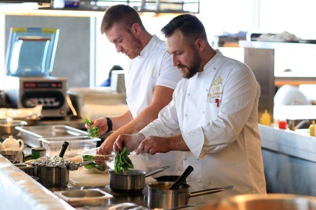 Вкулинарном поединке «Навысоте» победил лучший шеф-повар