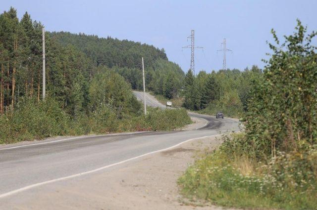 Салехард: Следователи устанавливают причины смерти мужчины, найденного вблизи дороги Сургут