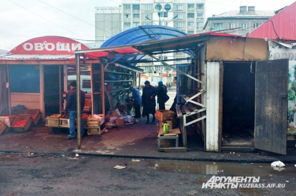 Как сообщает пресс-служба УФССП России по Кемеровской области, предпринимателей не раз предупреждали, что территорию нужно освободить.