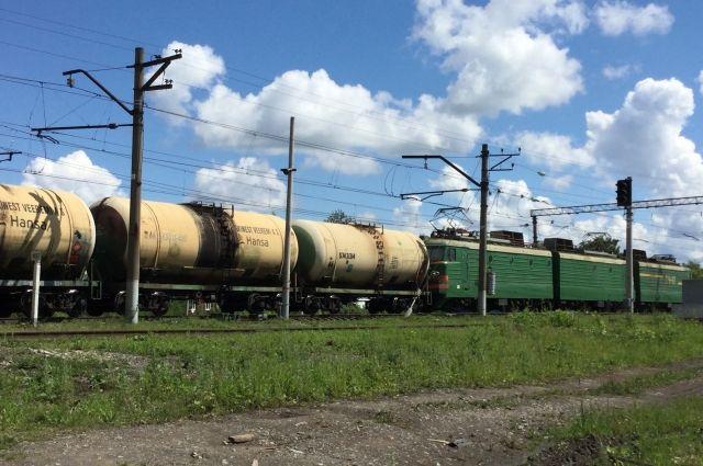 ВПерми 52-летний мужчина умер под колесами поезда